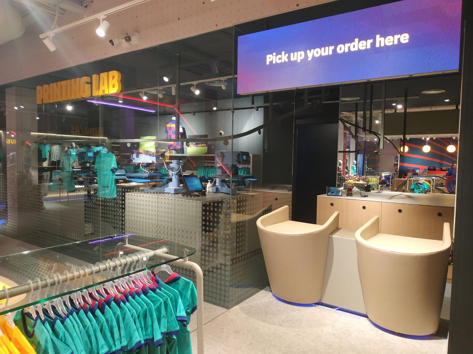 Boaya instala carrusel en la nueva tienda del Barça